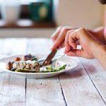 چرا قبل از ورزش نباید غذا خورد؟