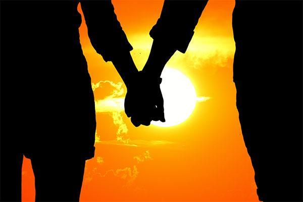 تصویر از زیباترین عکس های طلوع و غروب عاشقانه خورشید در ساحل و دریا