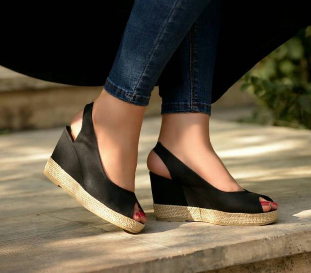 مدل کفش راحتی شیک دخترانه ۹۸ با طرح های جدید و زیبا
