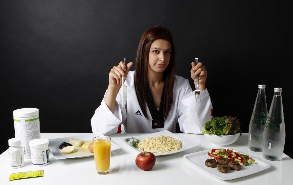 رژیم غذایی ورزشکاران در مسافرت