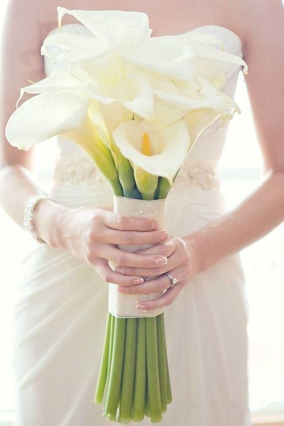 نمونههای زیبای دسته گل عروس با گل شیپوری
