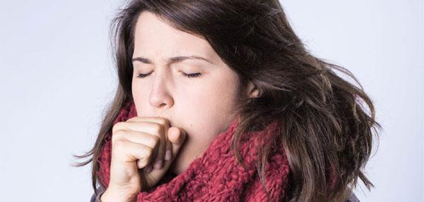 تصویر از ۸ درمان خانگی سرفه و گلودرد