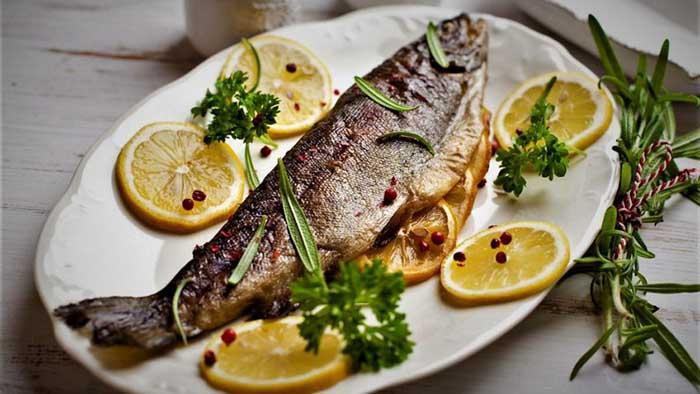 طرز تهیه ماهی شکم پر در فر