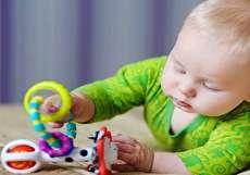 ۷ بازی برای نوزاد شش ماهه، آموزنده و سرگرم کننده