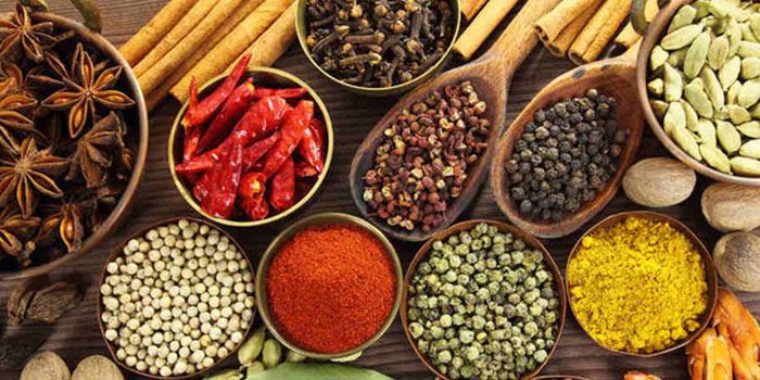 ادویههای مفید برای فصل زمستان از نگاه طب سنتیی