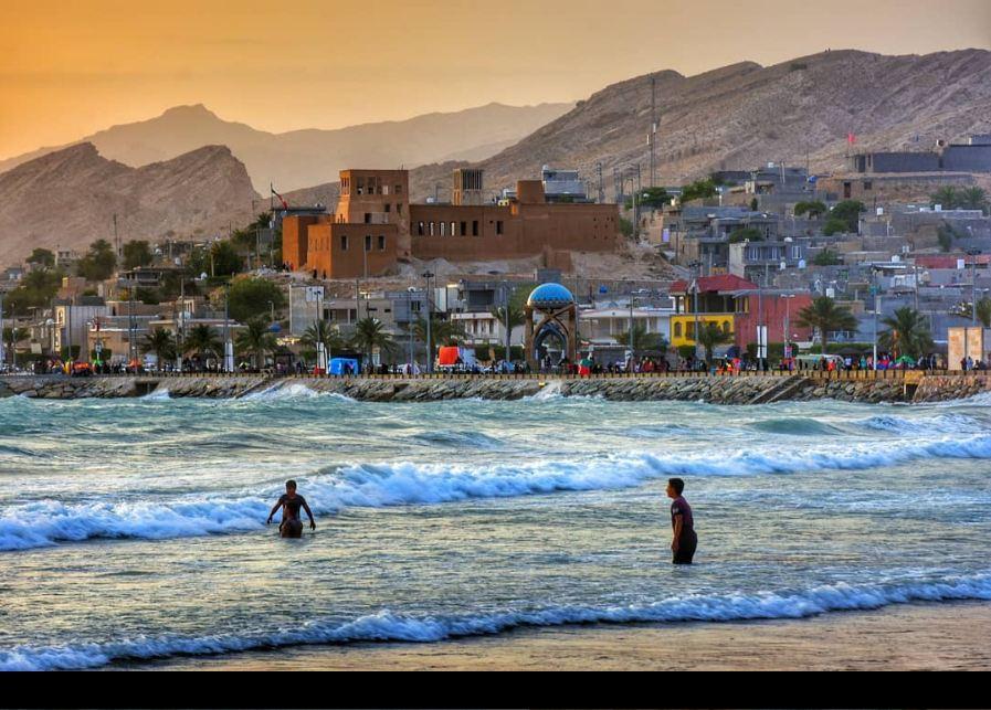 نمایی زیبا از ساحل و قلعه شیخ نصوری عکاس/حسین هدایتی