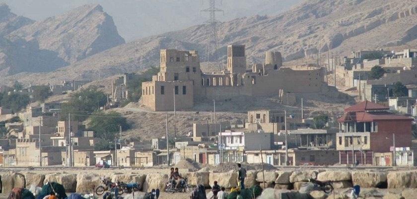 بندر تاریخی و قلعه سیراف