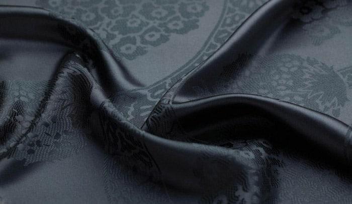 پاک کردن مارک چادر و روش شستن چادرهای مشکی