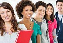 رفتار با نوجوان در سن بلوغ؛ چگونه این دوران را رد کنیم؟