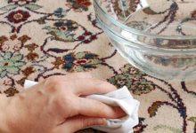 تصویر از بهترین ترفندهای پاک کردن لکه انار از روی لباس، دست، فرش و مبل
