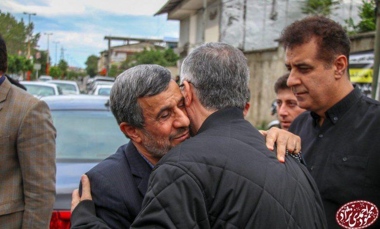 تصویر از حضور دکتر احمدی نژاد در منزل مادر مهندس مشایی در شهر کتالم استان مازندران