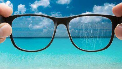 تصویر از از بین بردن خش شیشه عینک با ۶ روش آسان و کاربردی