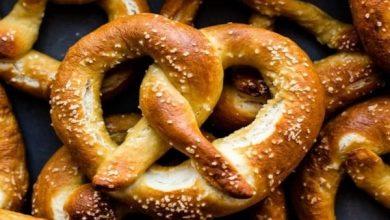 تصویر از طرز تهیه نان پرتزل با طعم فوق العاده خوشمزه و دستور پخت آسان
