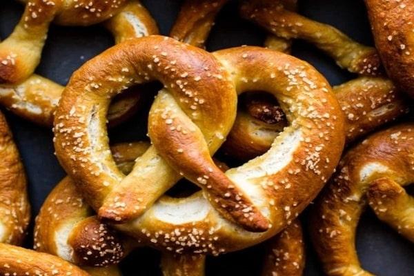 طرز تهیه نان پرتزل