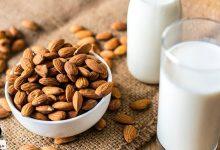تصویر از خواص شیر بادام و طرز تهیه آن در خانه