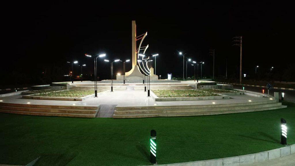 میدان ورودی شهر بندر سیراف