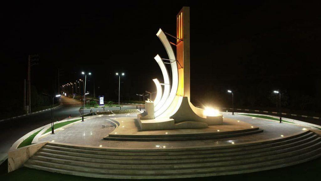 میدان ورودی شهر بندر سیراف| تصاویر