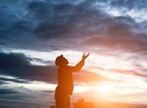 تمام ذکرها و دعاهای افزایش مال و ثروت + توضیحات