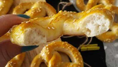طرز تهیه شیرینی نان خرمایی خوشمزه با مغز خرما و گردو